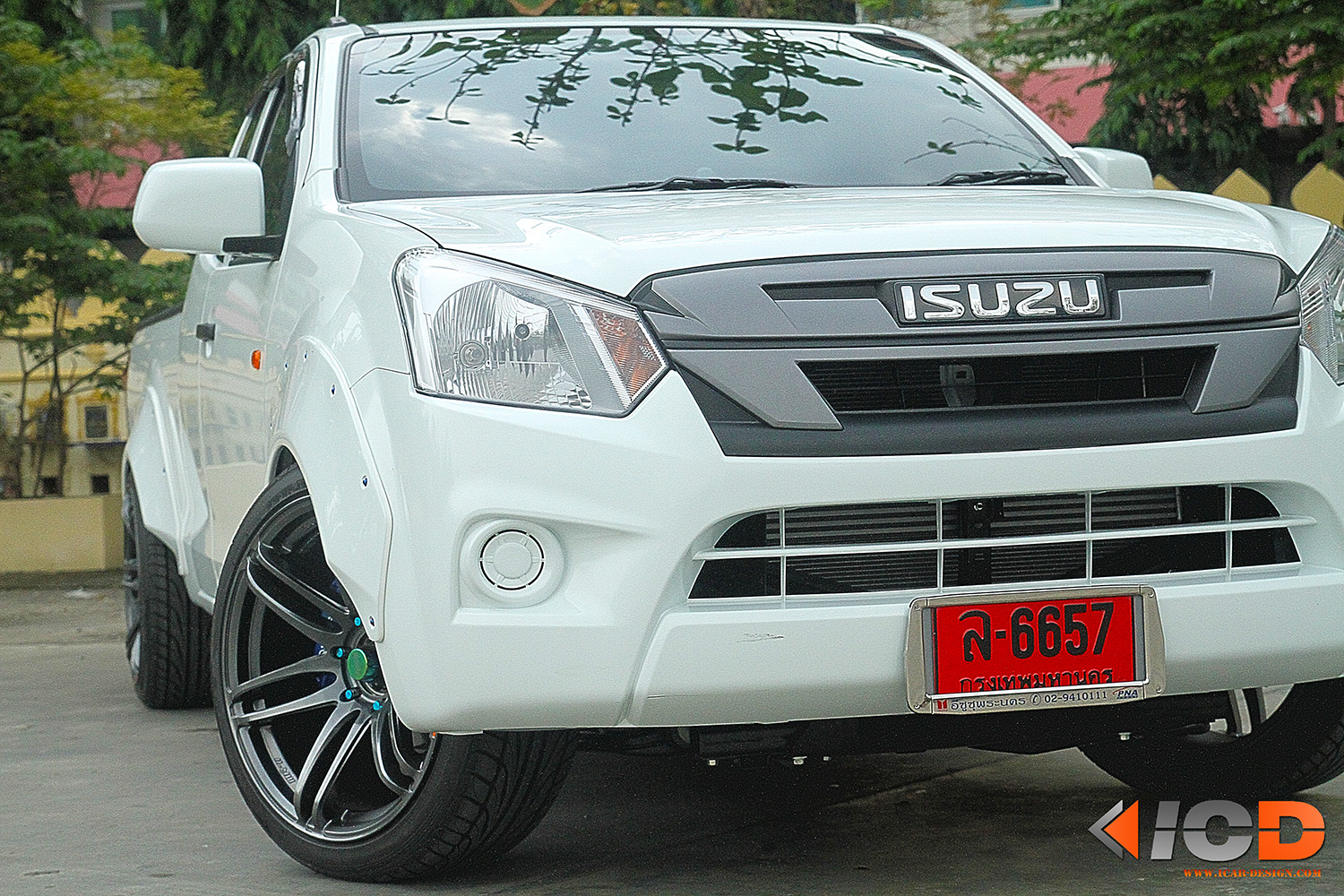 ISUZU All New D-Max Fender Flare Racing Style-1